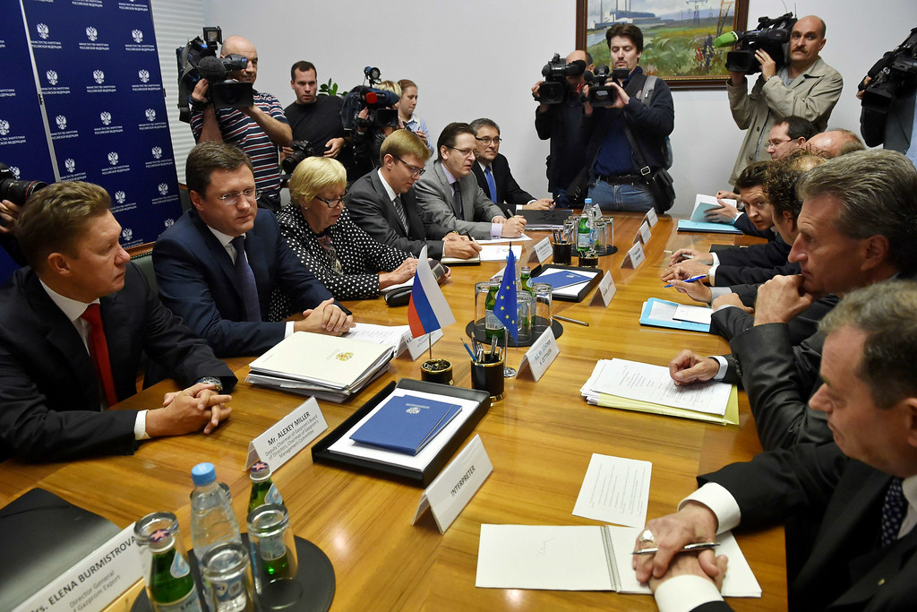 . EU Energy Commissioner Guenther Oettinger (2ndR) attends a meeting with Russia\'s Energy Minister Alexander Novak (2ndL) and Gazprom CEO Alexey Miller (L) on August 29, 2014 in Moscow. KIRILL KUDRYAVTSEV/AFP/Getty Images