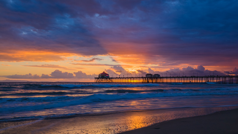 huntington-beach-pier-sunset-SLR-Lounge.jpg