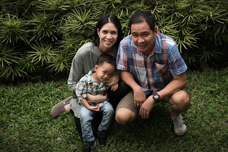 Velardes Family Portrait-37.jpg