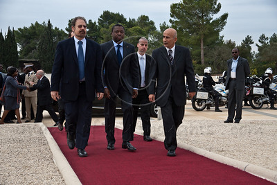 20121127 Togo President Faure Essozimna Gnassingbe lays a wreath at Mt. Herzl