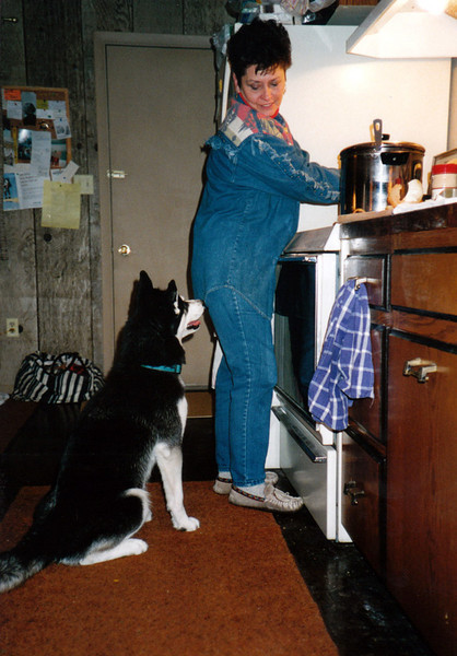 Clea helping Aunt Lyn cook.jpg