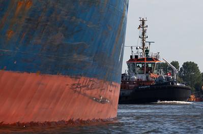 2011 06 01 Massengutfrachter Nord Peak kommt nach Hamburg