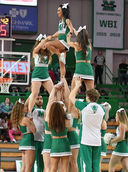 cheerleaders3205.jpg
