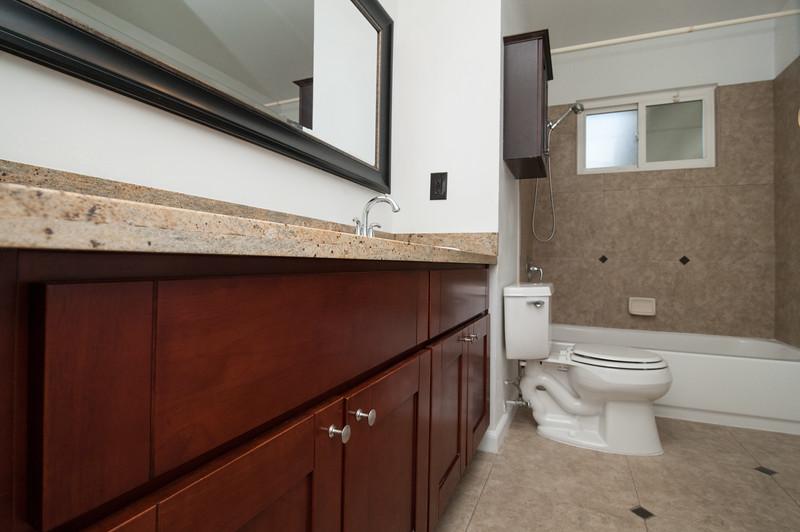 Bathroom (1 of 2).jpg