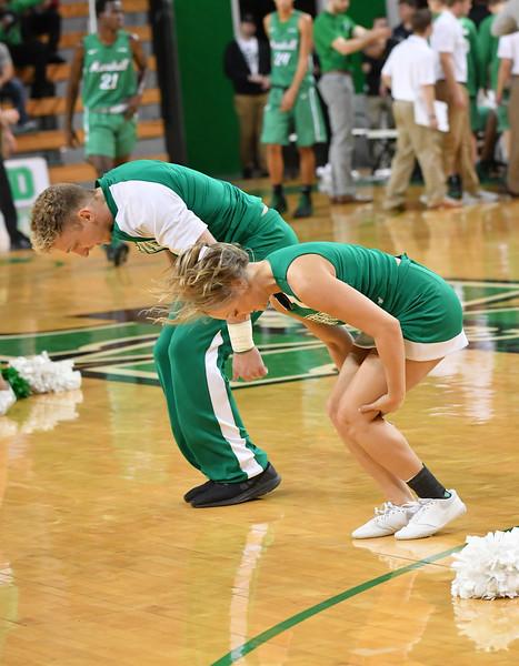cheerleaders0425.jpg