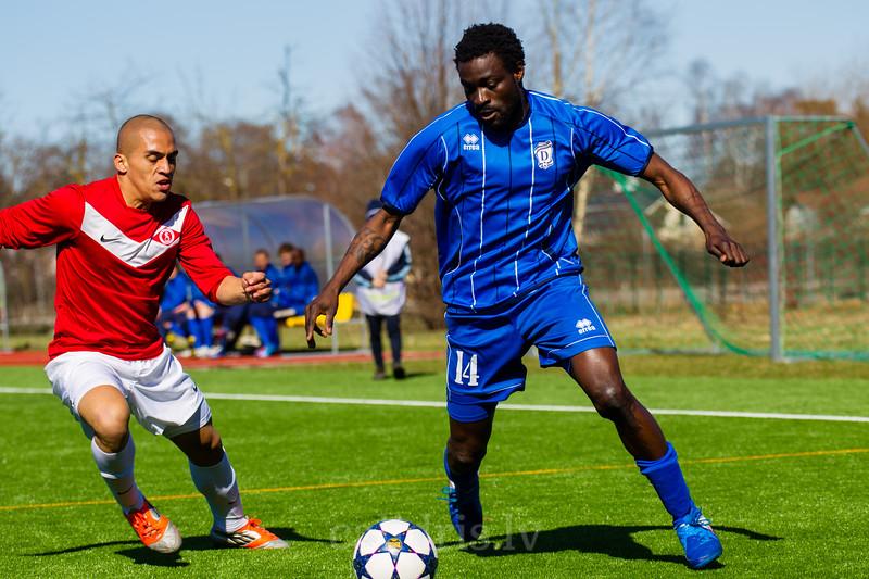 Duvan Castaneda (21) and Ibrahim Olalekan Babatunde (14)