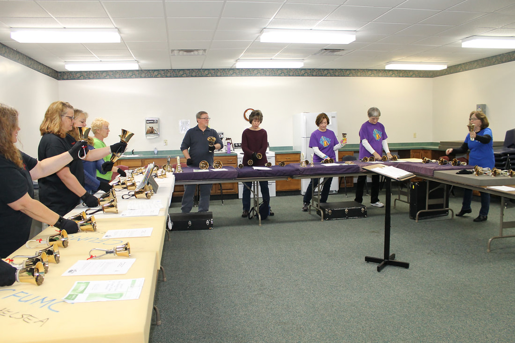 DHE members lead a class at the Eaton Rapids Handbell Festival.