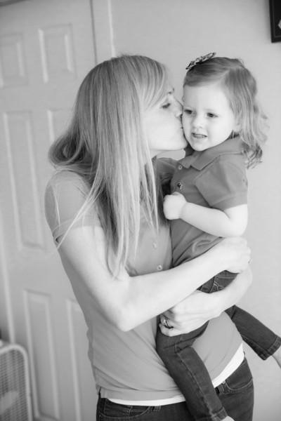 2014.03.30 Whitney Kronforst Newborn Photos B-W 58.jpg