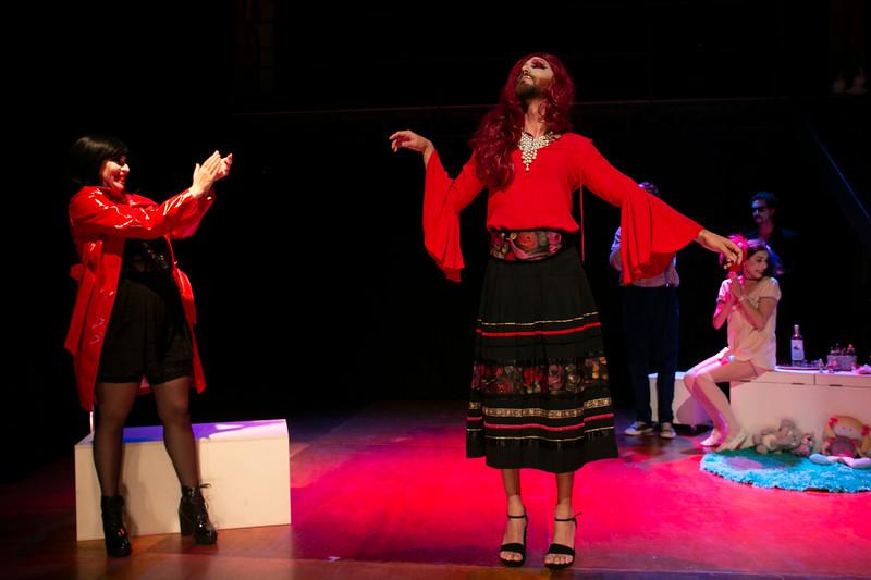 Allan Bravos - essenCIA Teatro - Persona 07-100.jpg