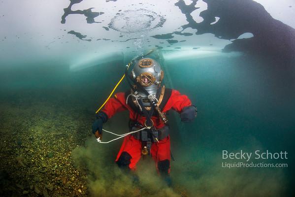 Hard Hat Divers