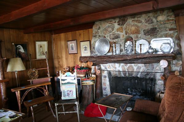 Cabin for Sale in Fawnskin, CA