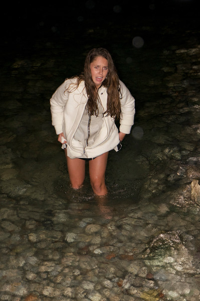 Maggie is not quite sure that the natural hot spring in Sirmione are quite to her liking...