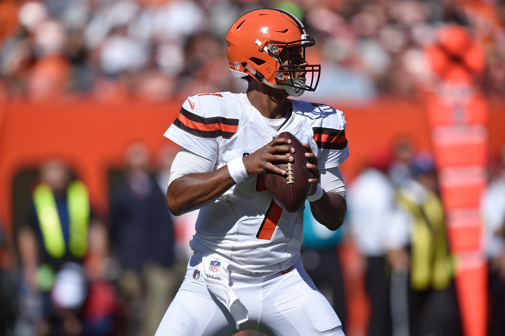 . Cleveland Browns quarterback DeShone Kizer looks for a receiver in the first half of an NFL football game against the Cincinnati Bengals, Sunday, Oct. 1, 2017, in Cleveland. (AP Photo/David Richard)