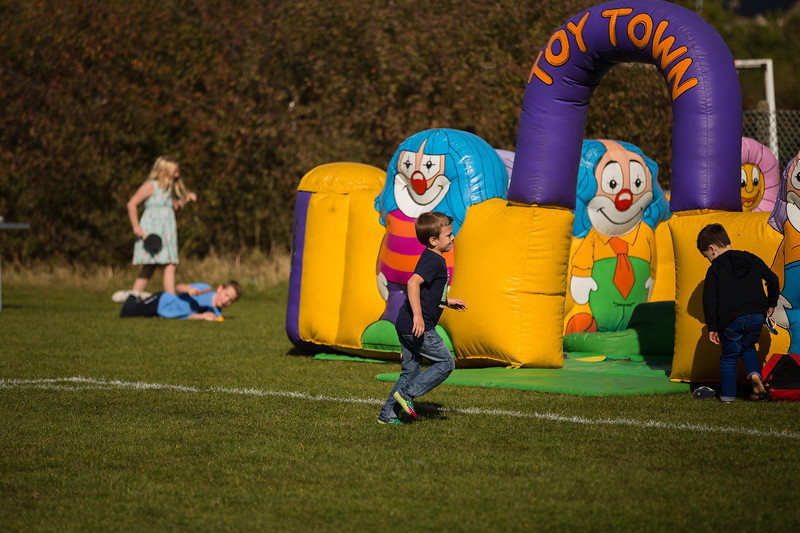 bensavellphotography_lloyds_clinical_homecare_family_fun_day_event_photography (194 of 405).jpg
