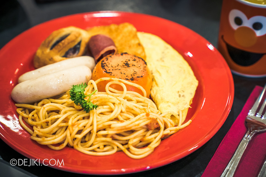Universal Studios Singapore - Park Update 2017-01 / Sesame Street Character Breakfast - Western Set Meal option
