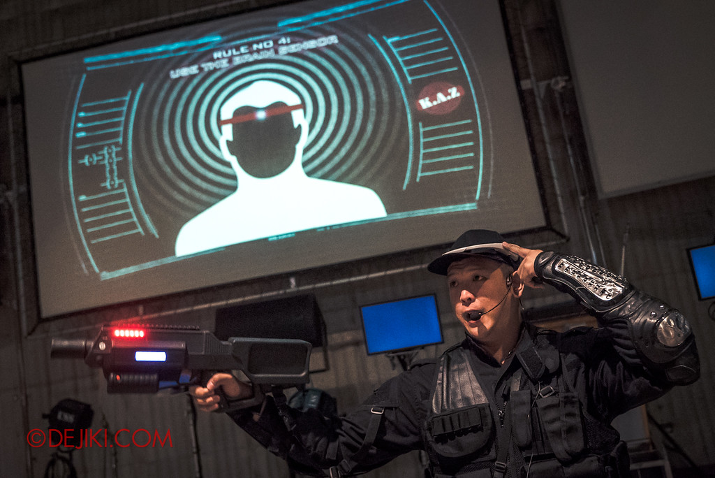 Halloween Horror Nights 7 Zombie Laser Tag - Sergeant Hu explains the headband