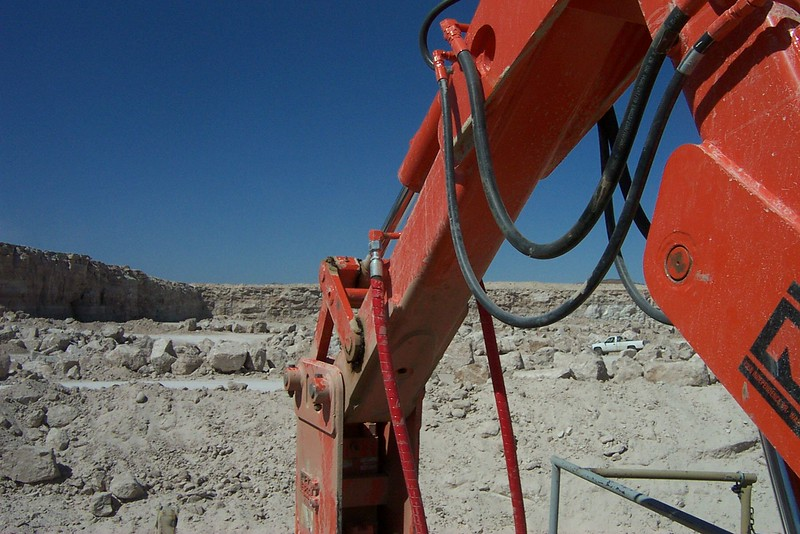 NPK B040 pedestal boom system with E series hydraulic hammer-rock breaking in quarry (5).jpg