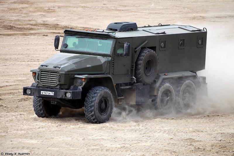 Бронеавтомобиль Урал-432009 Урал-ВВ (Ural-432009 Ural-VV armored vehicle)
