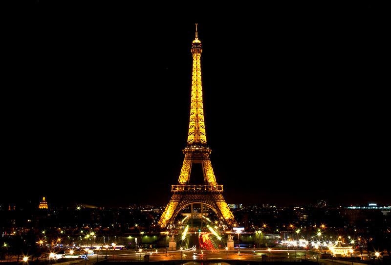 Eiffel_noc.jpg