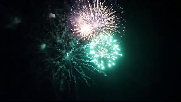 Fireworks-03.MOV