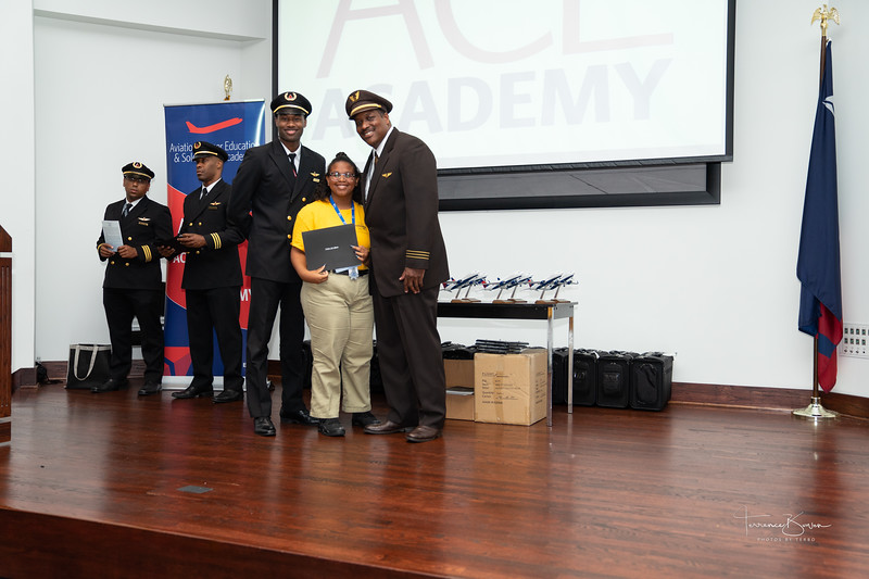 ACE_Graduation2018_sig-66.jpg