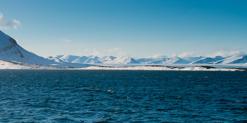 Into the midlands of Svalbard