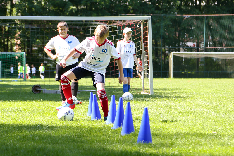 hsv_fussballschule-312_48047994983_o.jpg