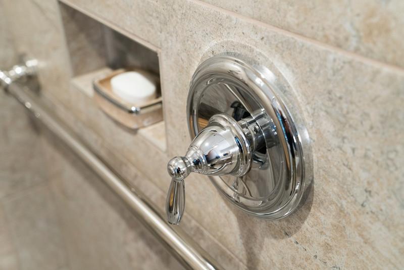 Snyder bathroom 02262016-16.jpg