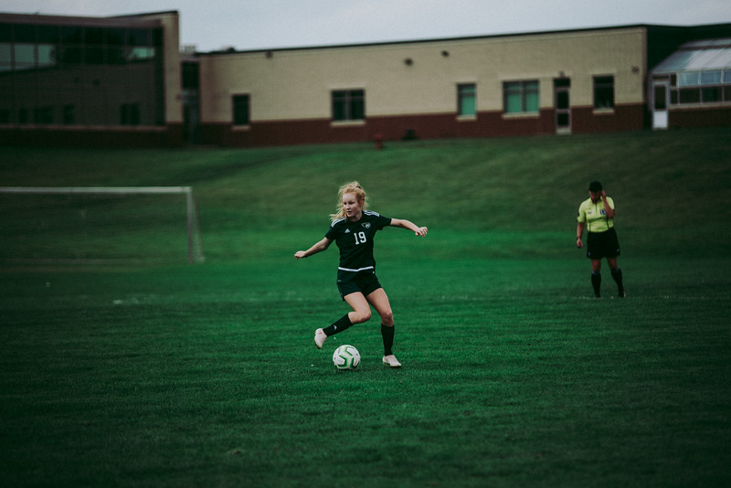 Holy Family Girls Varsity Soccer vs. Glencoe-Silver Lake, 9/24/19: Katie Anseth '22 (19)