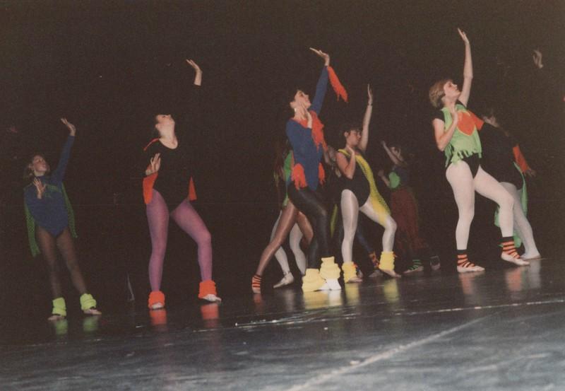Dance_2040.jpg