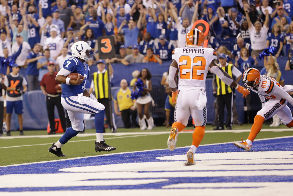 . Indianapolis Colts quarterback Jacoby Brissett (7) runs in for a touchdown against the Cleveland Browns during the first half of an NFL football game in Indianapolis, Sunday, Sept. 24, 2017. (AP Photo/AJ Mast)