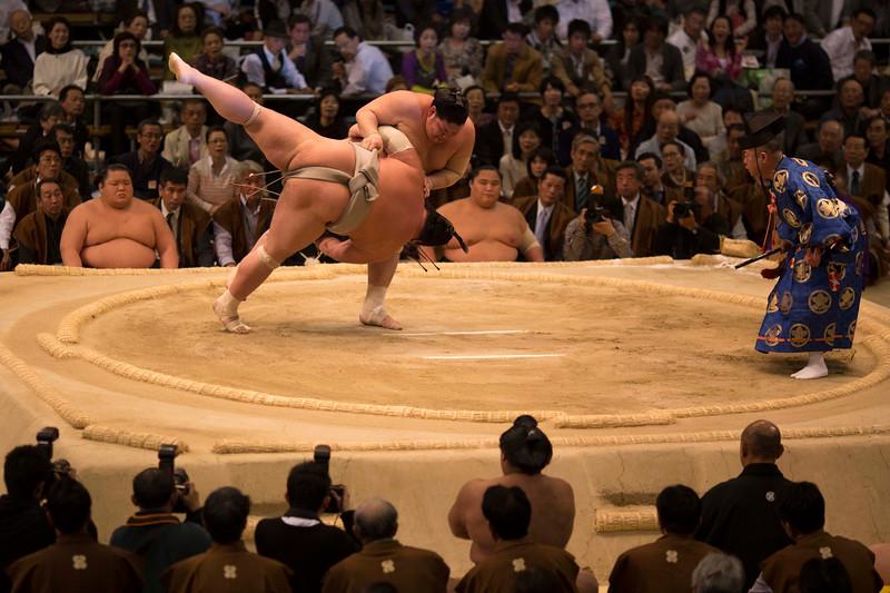 Osaka Sumo 220313 61 .jpg