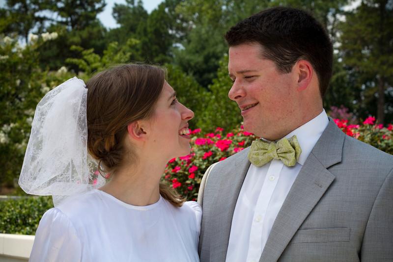 Levi & Emily-3953.jpg