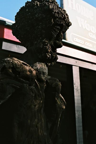 wood-sculpture-in-hokatika_1814398204_o.jpg