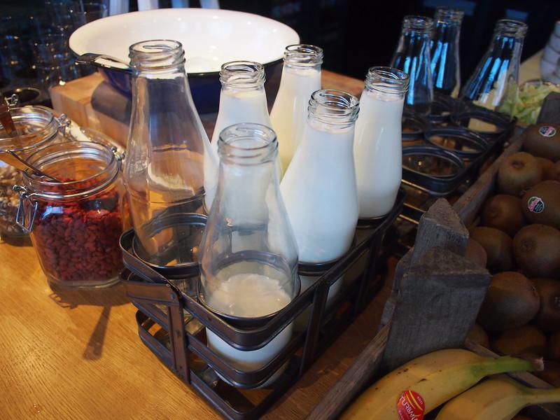 PA073371-milk.JPG