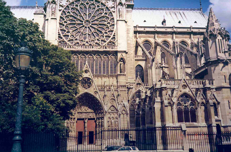 Notre Dame Side View.jpg