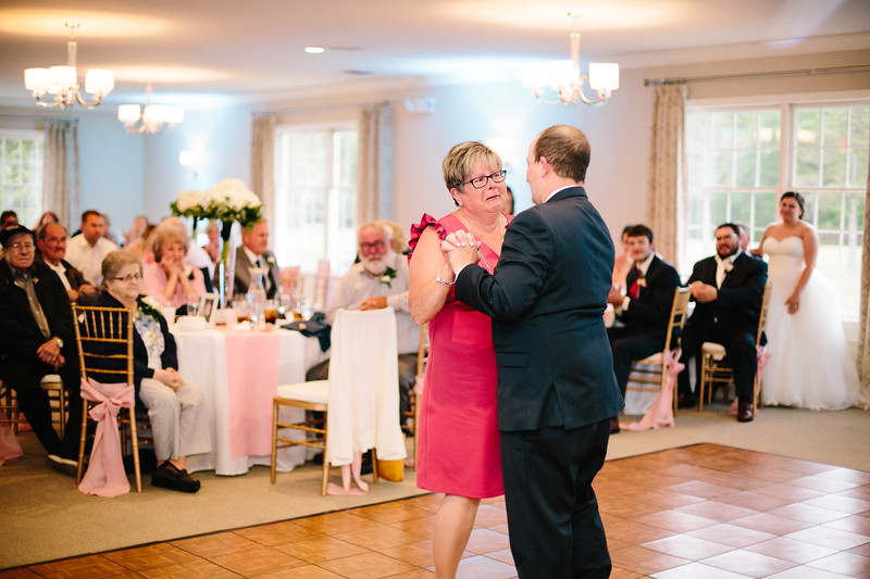 amie_and_adam_edgewood_golf_club_pa_wedding_image-988.jpg