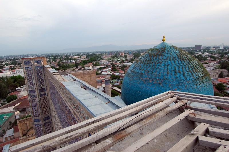 050425 3378 Uzbekistan - Samarkand - Bibi Honim Mosque _D _E _H _N ~E ~L.JPG