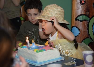 2010Mar13 - Kylie's 5th Birthday