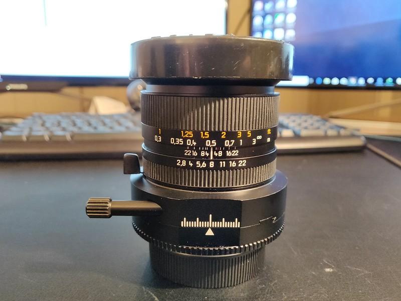 Leica PC-Super-Angulon-R 28mm 2.8 - Serial 3470783 001.jpg