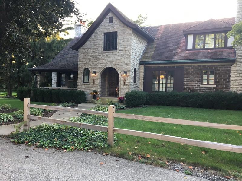 Hus i grannskapet, Cary