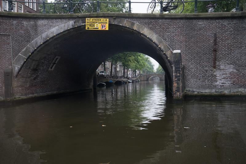 09-17-16 DSC01189 Amsterdam Along walk.jpg