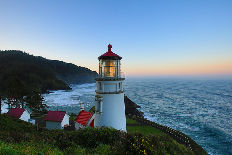 Oregon Beatuty Oregon lighthouse 1.jpg