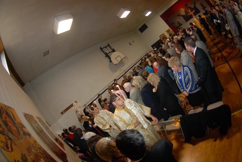 2012-11-04-Dome-Cross-Blessing-Sunday_252.JPG