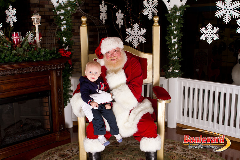 Santa Dec 15-212.jpg