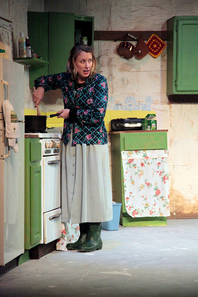 Ma_S_Queen_of_Leenane_2011111006_email.jpg