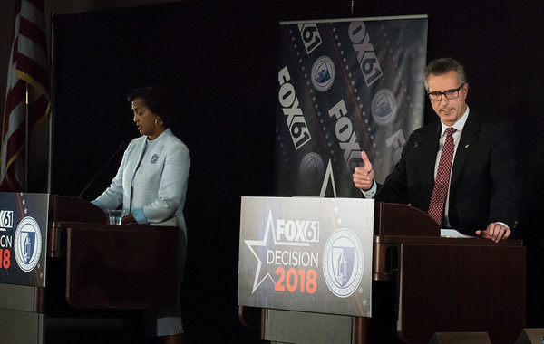 10/17/18 Wesley Bunnell | Staff CCSU along with Fox 61 hosted a 5th Congressional District Debate on Wednesday evening with Democratic candidate Jahana Hayes and Republican candidate Manny Santos who are both vying for the seat being vacated by Elizabeth Esty. Democratic candidate Jahana Hayes and Republican candidate Manny Santos.