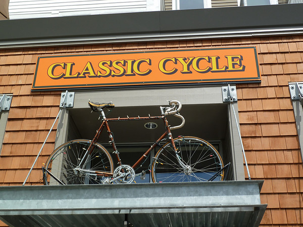 2010 06 Bicycle Shop