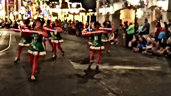 WDW Oncde Upon A Christmas Parade Location 2