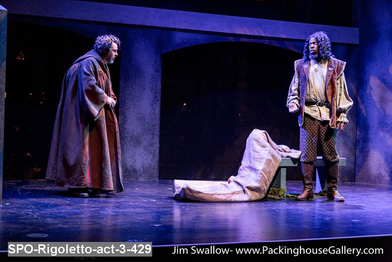 SPO-Rigoletto-act-3-429.jpg